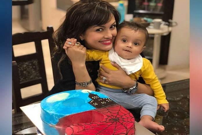 मम्मी निशा ने 9 महीने के बेटे का बर्थडे सेलिब्रेट करते अपने इंस्टाग्राम पर फोटोज शेयर की है।