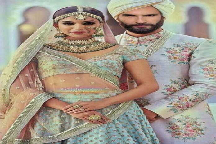 रणवीर और दीपिका का ये वेडिंग लुक इस समय सोशल मीडिया पर छाया हुआ है।