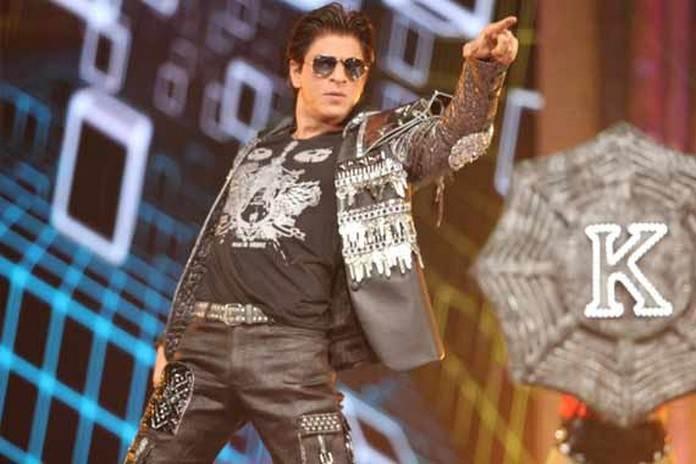 शाहरुख खान एक डांस परफॉर्म के लिए 3 करोड़ रुपये चार्ज करते हैं।